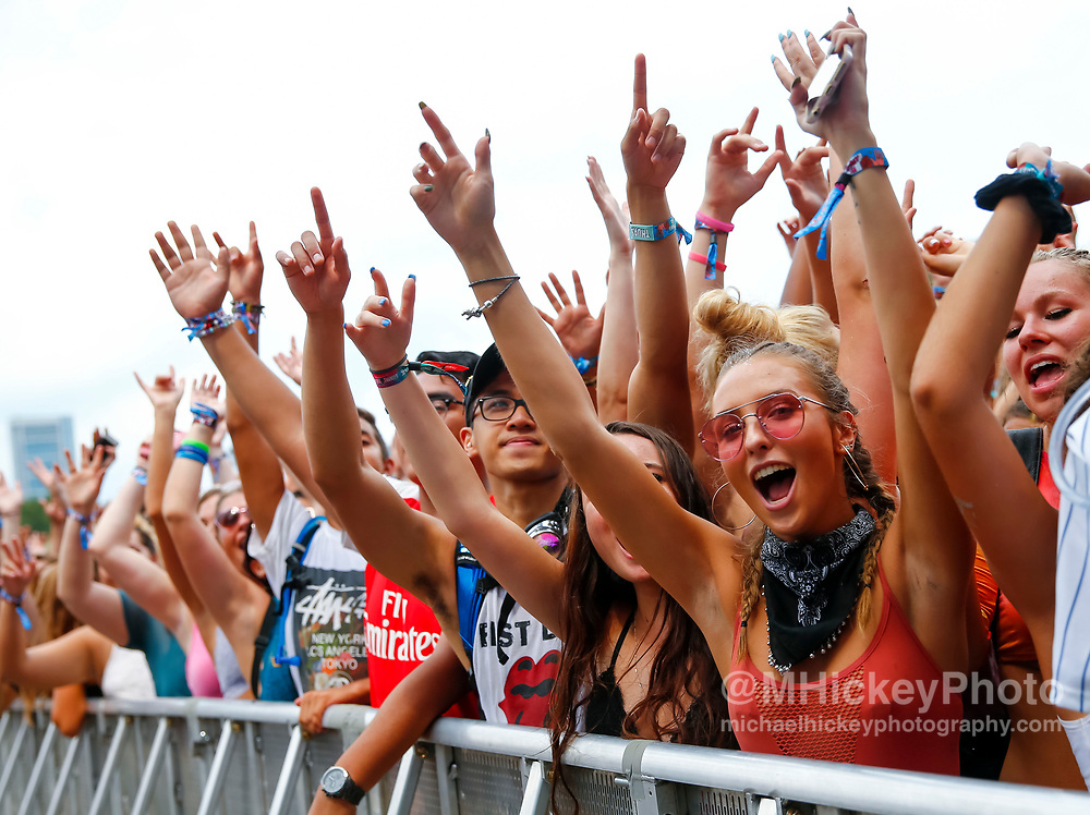 CHICAGO, IL - AUGUST 03: General atmosphere at the 2017 Lollapalooza at Grant Park on August 3, 2017 in Chicago, Illinois. (Photo by Michael Hickey/Getty Images)