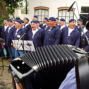 NLD/Muiden/20050702 - Spieringfestival Muiden, optreden Shantykoor