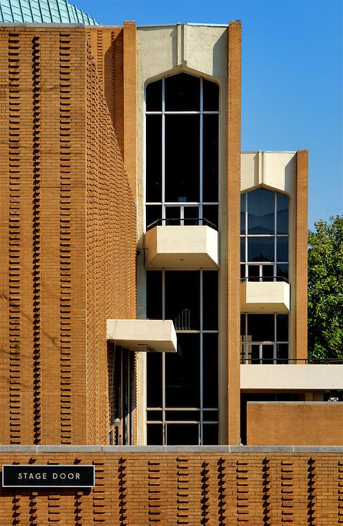 Boisfeuillet Jones Atlanta Civic Center<br /> Robert and Company - Architects