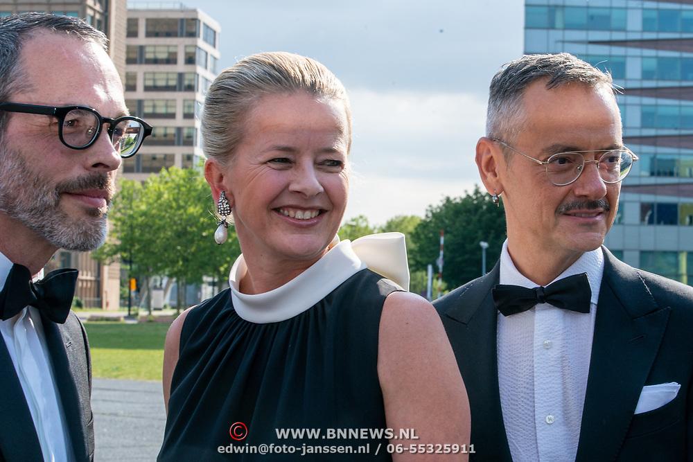 NLD/Amsterdam/201905225 - Amsterdamdiner 2019, Mabel met Victor en Rolf