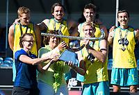 BREDA - Goud voor Australie. Marijke Fleuren met Aran Zalewski (Aus)  .  Australia-India (1-1), finale Rabobank Champions Trophy 2018. Australia wint shoot outs.  COPYRIGHT  KOEN SUYK