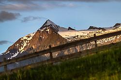 THEMENBILD - das Kitzsteinhorn bei Sonnenaufgang, aufgenommen am 26. Mai 2018 in Kaprun, Österreich // the Kitzsteinhorn at sunrise, Kaprun, Austria on 2018/05/26. EXPA Pictures © 2018, PhotoCredit: EXPA/ JFK