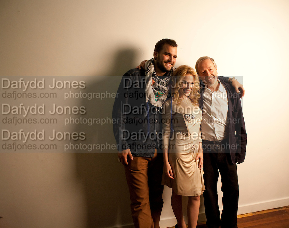 ROCCO TOSCANI; KYLIE MINOGUE; TERRY JONES, 30 Years Of i-D - book launch. Q Book 5-8 Lower John Street, London . 4 November 2010. -DO NOT ARCHIVE-© Copyright Photograph by Dafydd Jones. 248 Clapham Rd. London SW9 0PZ. Tel 0207 820 0771. www.dafjones.com.