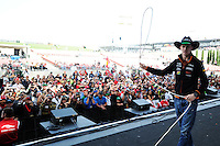 Nico Hulkenberg (GER) Sahara Force India F1 with the fans.<br /> United States Grand Prix, Sunday 2nd November 2014. Circuit of the Americas, Austin, Texas, USA.