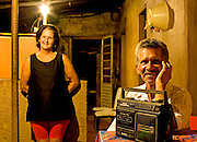 Sao Joao Del Rei_MG, Brasil...Retrato de uma familia beneficiada pela eletrificacao rural no projeto Luz para Todos...A family portrait favored by rural electrification, in the Luz para Todos project...Foto: LEO DRUMOND / NITRO