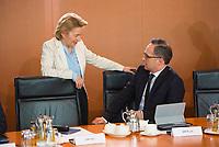 DEU, Deutschland, Germany, Berlin, 21.03.2018: Bundesverteidigungsministerin Dr. Ursula von der Leyen (CDU) und Bundesaussenminister Heiko Maas (SPD) vor Beginn der 2. Kabinettsitzung im Bundeskanzleramt.