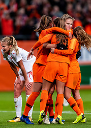 09-11-2018 NED: UEFA WC play-off final Netherlands - Switzerland, Utrecht<br /> European qualifying for the 2019 FIFA Women's World Cup - / Vivianne Miedema #9 of Netherlands score the 3-0 and celebrate with Lieke Martens #11 of Netherlands, Daniëlle van de Donk #10 of Netherlands