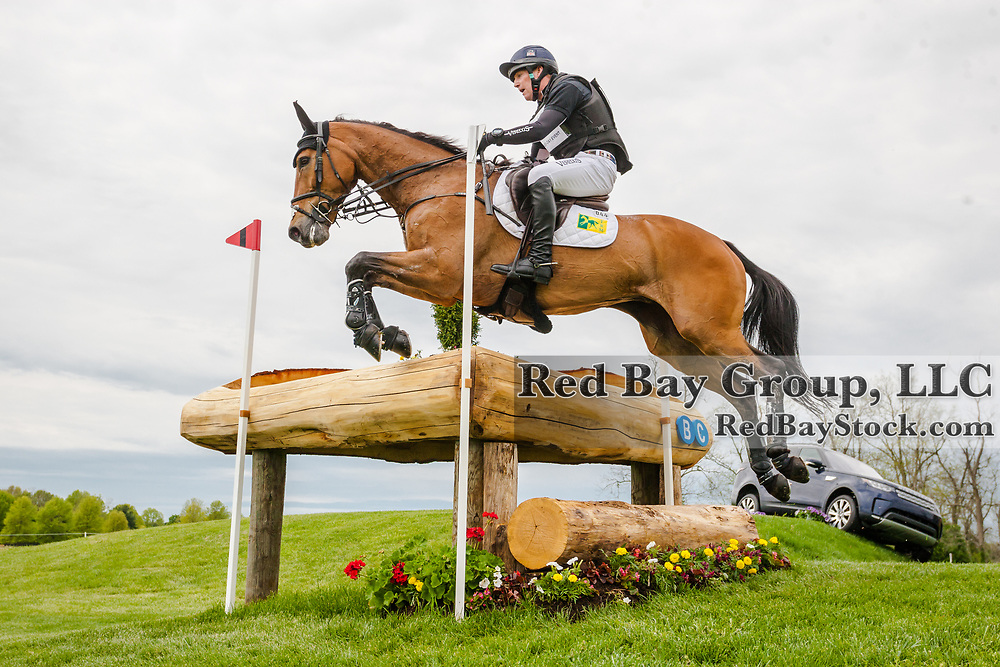 Oliver Townend (GBR) and Cooley Master Class during cross country at the 2019 Land Rover Kentucky Three-Day Event presented by MARS EQUESTRIAN in Lexington, Kentucky.