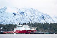 Far Statesman (t.v.), Far Sigma og Far Sovereign fra Farstad Shipping ligger i opplag i Ålesund under oljekrisen 2016.<br /> Foto: Svein Ove Ekornesvåg