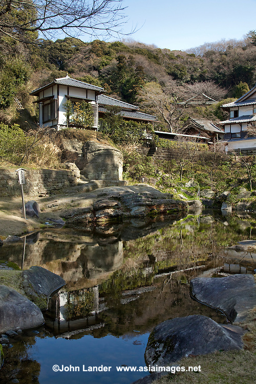 Engakuji garden was restored in 1969 according to an old drawing. Originally, Zen Buddhism regarded gardens as microcosms of the natural landscape and gardening to be a form of meditation.  Engakuji this is a fine example of borrowed scenery style of Japanese gardens.