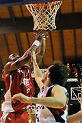 DESCRIZIONE : Lodi Lega A2 2009-10 Campionato UCC Casalpusterlengo - Aget Imola<br /> GIOCATORE : Peter Ezugwu<br /> SQUADRA : Aget Imola<br /> EVENTO : Campionato Lega A2 2009-2010<br /> GARA : UCC Casalpusterlengo Aget Imola<br /> DATA : 10/01/2010<br /> CATEGORIA : Tiro<br /> SPORT : Pallacanestro <br /> AUTORE : Agenzia Ciamillo-Castoria/D.Pescosolido