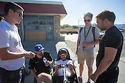 Het team van Liverpool werkt aan de Arion 1. In Battle Mountain (Nevada) wordt ieder jaar de World Human Powered Speed Challenge gehouden. Tijdens deze wedstrijd wordt geprobeerd zo hard mogelijk te fietsen op pure menskracht. Ze halen snelheden tot 133 km/h. De deelnemers bestaan zowel uit teams van universiteiten als uit hobbyisten. Met de gestroomlijnde fietsen willen ze laten zien wat mogelijk is met menskracht. De speciale ligfietsen kunnen gezien worden als de Formule 1 van het fietsen. De kennis die wordt opgedaan wordt ook gebruikt om duurzaam vervoer verder te ontwikkelen.<br /> <br /> In Battle Mountain (Nevada) each year the World Human Powered Speed Challenge is held. During this race they try to ride on pure manpower as hard as possible. Speeds up to 133 km/h are reached. The participants consist of both teams from universities and from hobbyists. With the sleek bikes they want to show what is possible with human power. The special recumbent bicycles can be seen as the Formula 1 of the bicycle. The knowledge gained is also used to develop sustainable transport.