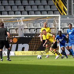 Am Ball Thorgan Hazard (Borussia Dortmund, #23); 1. Fussball-Bundesliga; Borussia Dortmund - TSG Hoffenheim am 27.06.2020 im Signal-Iduna-Park in Dormund (Nordrhein-Westfalen). Links Stefan Posch (TSG 1899 Hoffenheim, #38), rechts Diadie Samassekou (TSG 1899 Hoffenheim, #18), Florian Grillitsch (TSG 1899 Hoffenheim, #11), hinten Erling Haaland (Borussia Dortmund, #17).<br /> <br /> FOTO: BEAUTIFUL SPORTS/WUNDERL/POOL/PIX-Sportfotos<br /> <br /> DFL REGULATIONS PROHIBIT ANY USE OF PHOTOGRAPHS AS IMAGE SEQUENCES AND/OR QUASI-VIDEO. <br /> <br /> EDITORIAL USE OLNY.<br /> National and<br /> international NewsAgencies OUT.<br /> <br /> <br /> <br /> Foto © PIX-Sportfotos *** Foto ist honorarpflichtig! *** Auf Anfrage in hoeherer Qualitaet/Aufloesung. Belegexemplar erbeten. Veroeffentlichung ausschliesslich fuer journalistisch-publizistische Zwecke. For editorial use only. DFL regulations prohibit any use of photographs as image sequences and/or quasi-video.