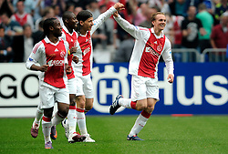 25-04-2010 VOETBAL: AJAX - FEYENOORD: AMSTERDAM<br /> De eerste wedstrijd in de bekerfinale is gewonnen door Ajax met 2-0 / Siem de Jong scoort de 2-0<br /> ©2009-WWW.FOTOHOOGENDOORN.NL