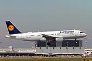 D-AIPT Lufthansa Airbus A320-211 at Malpensa (MXP / LIMC), Milan, Italy