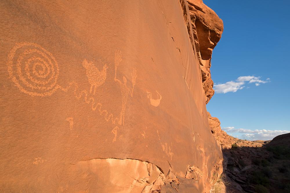 Petroglyphs, Navajo Nation (Utah).