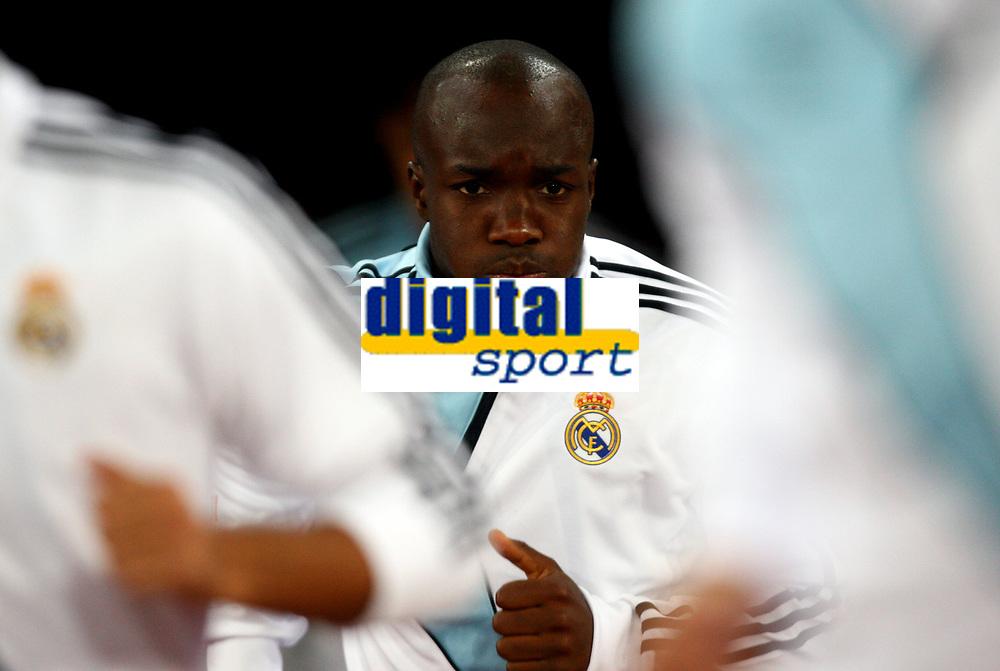 Fotball<br /> Foto: DPPI/Digitalsport<br /> NORWAY ONLY<br /> <br /> FOOTBALL - UEFA CHAMPIONS LEAGUE 2009/2010 - GROUP C - FC ZÜRICH v REAL MADRID - 15/09/2009<br /> <br /> LASSANA DIARRA (REA)
