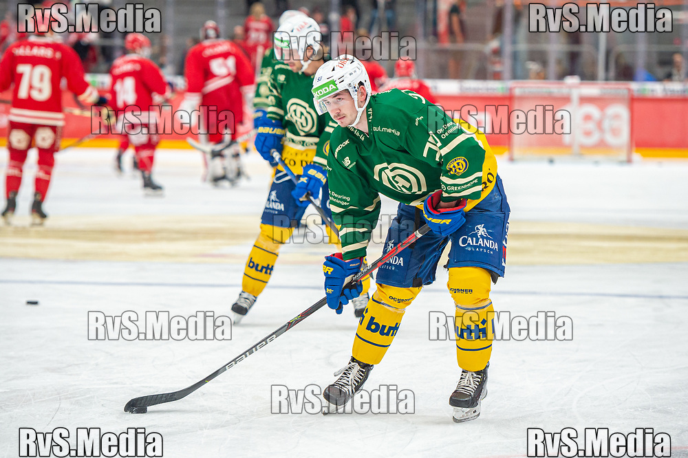 LAUSANNE, SWITZERLAND - SEPTEMBER 24: Yannick Frehner #93 of HC Davos warms up prior the Swiss National League game between Lausanne HC and HC Davos at Vaudoise Arena on September 24, 2021 in Lausanne, Switzerland. (Photo by Monika Majer/RvS.Media)
