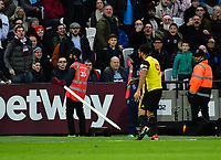 Football - 2018 / 2019 Premier League - West Ham United vs. Watford <br /> <br /> Watford's Troy Deeney celebrates scoring the opening goal and then hits the corner flag, at The London Stadium.<br /> <br /> COLORSPORT/ASHLEY WESTERN