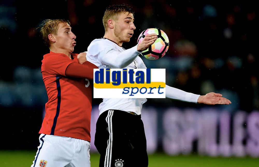 Fotball , 10 . oktober 2017 ,  EM-kvalik U21<br /> Norge - Tyskland<br /> Euro U21 - Qualification<br /> Norway - Germany<br /> Felix Platte 9 ,  , Germany<br /> Ulrik Jenssen , Norge