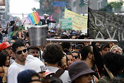May 6, 2017 - Sao Paulo, Brazil - Hundreds of people take part in a march calling for the legalization of marijuana along Paulista Avenue in Sao Paulo, Brazil, on May 6, 2017. (Credit Image: © Fotorua/NurPhoto via ZUMA Press)