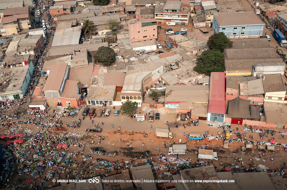 Vista aérea da cidade Luanda, capital de Angola. Bairro Marcal