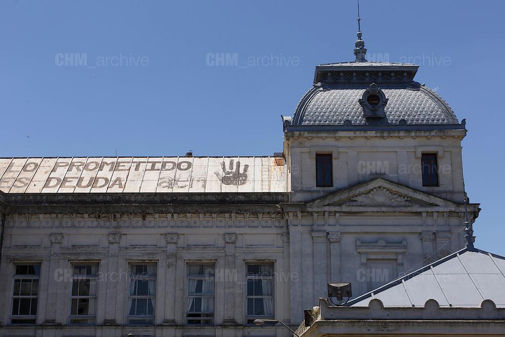 Lo premedito es deuda. Facoltà di medicina dell'università di Montevideo. Montevideo, 14 dicembre 2015.  Christian Mantuano / OneShot
