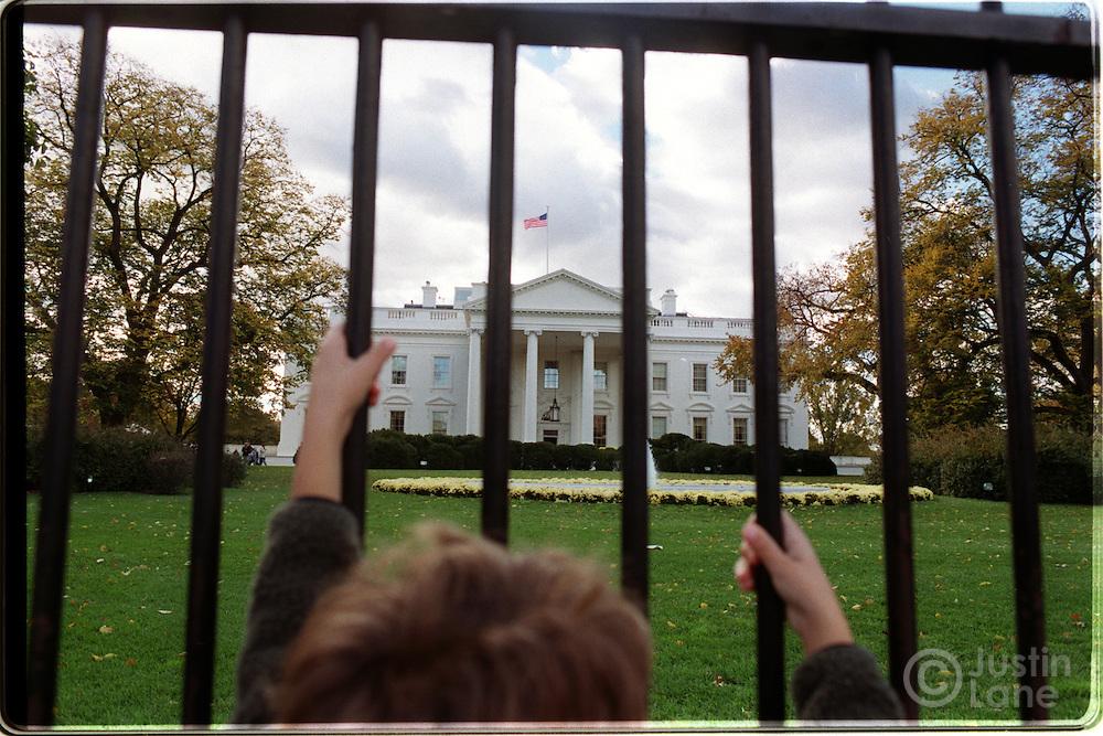 11/09/00--Washington--Attn:WIR--WhiteHouse7/JSL.Photo of the White House seen through the front fence..Justin Lane for The NEw York Times