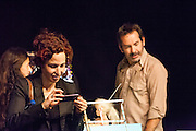 Volpinex, the french object- theater company presents BANG! in Spain