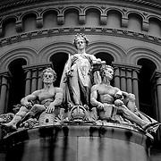 Queen victoria building statue, Sydney, Australia (January 2006)