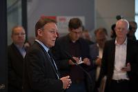 DEU, Deutschland, Germany, Berlin, 18.10.2016: Thomas Oppermann, Vorsitzender der SPD-Bundestagsfraktion, bei einem Pressestatement vor Beginn der Fraktionssitzung der SPD im Deutschen Bundestag.