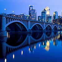 Minneapolis panoramic taken from Riverplace showing the 3rd avenue bridge.
