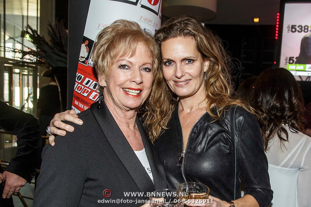 NLD/Hilversum/20150102 - Top40 viert 50 jarig bestaan, Ria Valk en dochter Monique