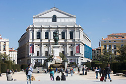 THEMENBILD - Ein Platz vor dem Königspalast. Die Stadt Madrid ist eine der größten Metropolen in Europa. Sie liegt im Zentrum der iberischen Halbinsel und ist Hauptstadt von Spanien. Aufgenommen am 25.03.2016 in Madrid ist Spanien // Madrid is on of the biggest metropolis in Europe. It is located in the center of the Iberian Peninsula and is the capital of Spain. Spain on 2016/03/25. EXPA Pictures © 2016, PhotoCredit: EXPA/ Jakob Gruber