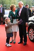 Feestelijke bijeenkomst t.g.v. 70ste verjaardag prof.mr. Pieter van Vollenhoven in het Beatrixtheater in Utrecht / Celebration of the 70th birthday of prof.mr. Pieter van Vollenhoven in the Beatrixtheatre in Utrecht.<br /> <br /> On the photo:<br /> <br />  Pieter van Vollenhoven en Princes Magriet