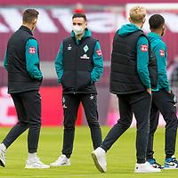 21.11.2020, Allianz Arena, Muenchen, GER,  FC Bayern Muenchen SV Werder Bremen <br /> <br /> <br />  im Bild die Werder Spieler kommen nach der Ankunft auf den Platz <br /> <br /> Marco Friedl (Werder Bremen #32)<br /> Kevin Möhwald / Moehwald (Werder Bremen #06)<br /> Marin Pudic (Werder Bremen II #33)<br /> Felix Agu (Werder Bremen / #17)<br /> <br /> <br /> Foto © nordphoto / Straubmeier / Pool/ <br /> <br /> DFL regulations prohibit any use of photographs as image sequences and / or quasi-video.