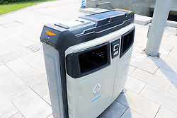 August 14, 2017 - Chongqin, Chongqin, China - Chongqing, CHINA-August 14 2017:(EDITORIAL USE ONLY. CHINA OUT) ..The high-tech solar-powered rubbish bins can be seen on street in southwest China's Chongqing, August 14th, 2017. (Credit Image: © SIPA Asia via ZUMA Wire)