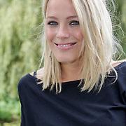 NLD/Amsterdam/20120822 - Perspresentatie SBS Sterren Springen, presentatrice  Tess Milner