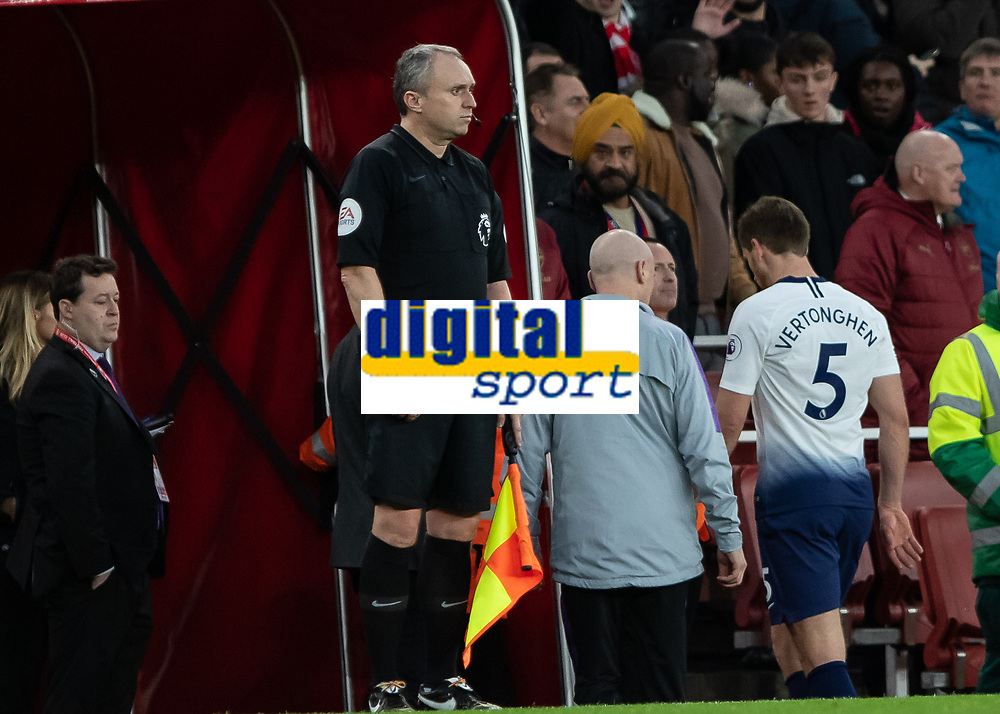 Football - 2018 / 2019 Premier League - Arsenal vs. Tottenham Hotspur<br /> <br /> Jan Vertonghen (Tottenham FC)  makes his way down the tunnel after being sent off at The Emirates.<br /> <br /> COLORSPORT/DANIEL BEARHAM