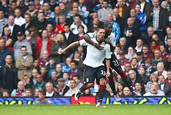 02.10.2010, Upton Park, London, ENG, PL, Tottenham Hotspur vs Aston Villa, im Bild Fulham's American player Clint Dempsey celebrates his goal.Barclays Premier League, West Ham United v Fulham.. EXPA Pictures © 2010, PhotoCredit: EXPA/ IPS/ Kieran Galvin +++++ ATTENTION - OUT OF ENGLAND/UK +++++