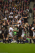 Twickenham. Surrey. UK England vs New Zealand, Autumn Internationals.<br /> Danny GREWCOCK and Ali WILLIAMS. contest the line out ball caught by Keith ROBINSON..<br /> 09/11/2002<br /> International Rugby England vs New Zealand [Mandatory Credit Peter SPURRIER/Intersport Images]