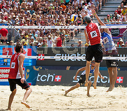 31.07.2016, Strandbad, Klagenfurt, AUT, FIVB World Tour, Beachvolleyball Major Series, Klagenfurt, Herren, im Bild Chaim Schalk (1, CAN), Ben Saxton (2, CAN) vorne, Michal Bryl (1, POL), Bartosz Losiak (2, POL) hinten // during the FIVB World Tour Major Series Tournament at the Strandbad in Klagenfurt, Austria on 2016/07/31. EXPA Pictures © 2016, PhotoCredit: EXPA/ Lisa Steinthaler
