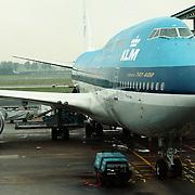 Reis Amerika, KLM Boeing 747 Guayaquil aan de gate op Schiphol