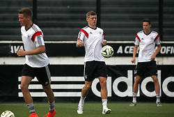 12.07.2014, San Januario Stadium, Rio de Janeiro, BRA, FIFA WM, Deutschland vs Argentinien, Finale, Abschlusstraining, im Bild Bildmitte Toni Kroos (GER) // German football player Toni Kroos (center) during a practice session of team Germany prior to Final match between Germany and Argentina of the FIFA Worldcup Brazil 2014 at the San Januario Stadium in Rio de Janeiro, Brazil on 2014/07/12. EXPA Pictures © 2014, PhotoCredit: EXPA/ Eibner-Pressefoto/ Cezaro<br /> <br /> *****ATTENTION - OUT of GER*****