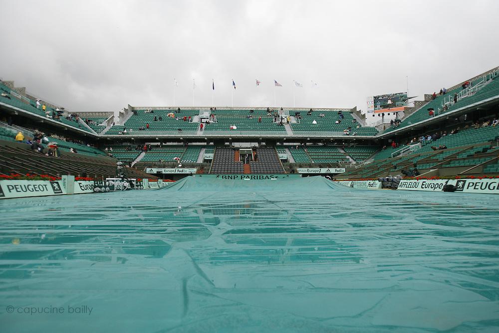 Roland Garros. Paris, France. May 28th 2007..Rain interrupts matches.