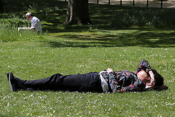 May 10, 2017 - London, London, United Kingdom - Image ©Licensed to i-Images Picture Agency. 10/05/2017. London, United Kingdom. Warm weather.  Warm weather in St James Park. London,  Picture by Dinendra Haria / i-Images (Credit Image: © Dinendra Haria/i-Images via ZUMA Press)