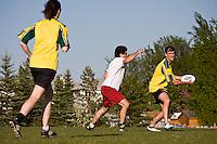 Calgary Ultimate Association League Game<br /> Run Fergus Run vs. Two Bit Huckers<br /> May 28, 2008