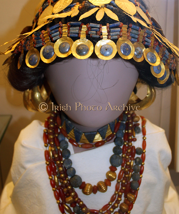 Reconstructed head of a Sumerian woman. This reconstruction suggests the original arrangement of the jewellery worn by Sumerian women in the royal graves and also in some of the graved of individuals at Ur.