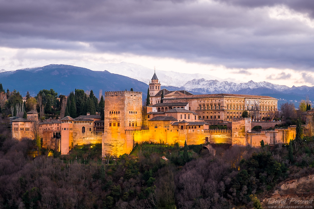 The Alhambra, declared a World Heritage Site in 1984, is a palatial city on the Sabika hill, near the Darro river.<br /> Its name, the red castle or Al-Hamra in Arabic, comes from the colour of its walls which were made using the clay found locally, and the reddish tint this gave the bricks. This is the nothern part of the Alhambra, with the Charles Quint palace.