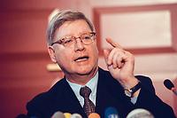 04 JAN 2000, BERLIN/GERMANY:<br /> Joachim Hörster, CDU, Parl. Geschäftsführer CDU/CSU Fraktion, während einer Pressekonferenz zum Geldtransfer an die CDU, Deutscher Bundestag, Unter den Linden 71<br /> IMAGE: 20000104-01/01-29<br /> KEYWORDS: Joachim Hoerster